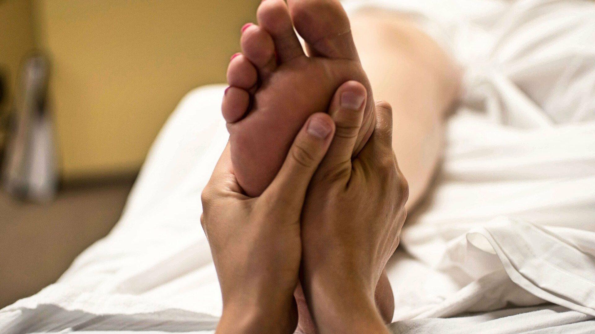 massage pied gauche